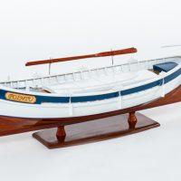 Maquette de collection montée du bateau de pêche Le Pointu (50 cm), bateau traditionnel méditerranéen