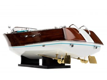 """Maquette en bois entièrement montée - Mistral Maquettes - Runabout """"Aqua"""" bleu - 90 cm - vue détaillée hélices bâbord arrière"""