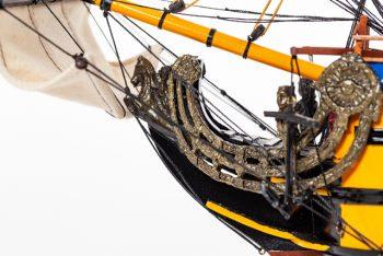 Maquette de collection montée du galion Soleil Royal (80 cm), gros plan sur la figure de proue