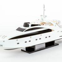 Maquette de collection montée du yacht Sun Glider (90 cm), vue d'ensemble babord