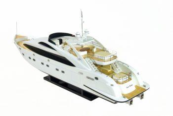 Maquette de collection montée du yacht Sun Glider (90 cm), vue d'ensemble