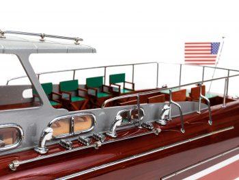 Maquette en bois entièrement montée - Mistral Maquettes – Yacht Thunderbird - 90 cm - Vue bâbord plage arrière