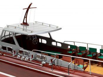 Maquette en bois entièrement montée - Mistral Maquettes – Yacht Thunderbird - 90 cm - Vue bâbord roof central