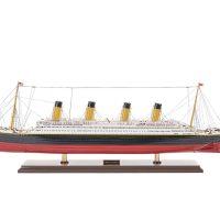 Maquette de collection montée du paquebot Titanic (101 cm), vue d'ensemble latérale babord