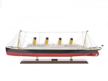Maquette d'exposition entièrement montée – Mistral Maquettes - paquebot Titanic (101 cm), vue d'ensemble latérale babord