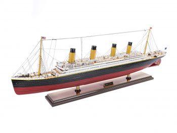 Maquette d'exposition entièrement montée – Mistral Maquettes - paquebot Titanic (101 cm), vue d'ensemble babord