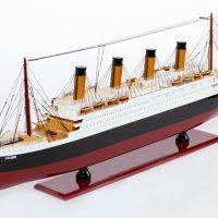 Maquette de collection montée du paquebot Titanic (101 cm), vue d'ensemble babord avant