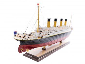 Maquette d'exposition entièrement montée – Mistral Maquettes - paquebot Titanic (101 cm), vue latérale poupe tribord