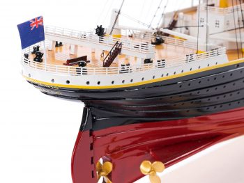 Maquette d'exposition entièrement montée – Mistral Maquettes - paquebot Titanic (101 cm), vue macro poupe