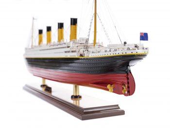 Maquette d'exposition entièrement montée – Mistral Maquettes - paquebot Titanic (101 cm), vue babord de la poupe