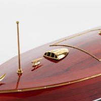 Maquette de collection montée du canot à moteur Zipper (77 cm), détail de l'étrave