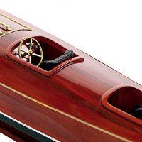 Maquette de collection montée du canot à moteur Zipper (77 cm), vue détaillée du pont central